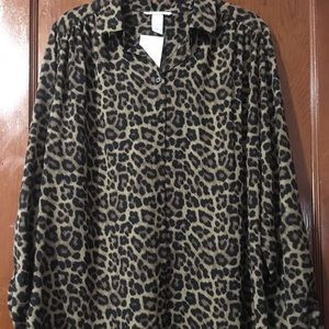 📸JUST IN📸 H&M Leopard Print Button Front Top